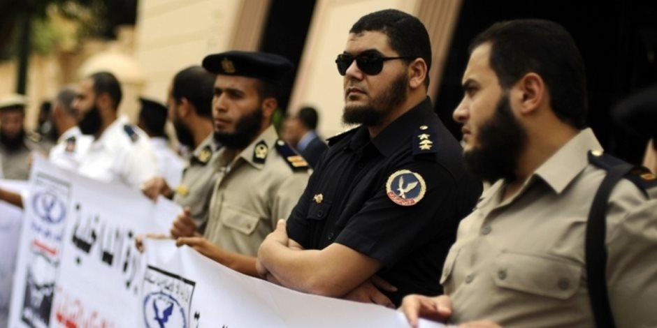ماذا قالت أول دعوى قضائية لوقف حكم الإدارية العليا بعودة الضباط الملتحين؟