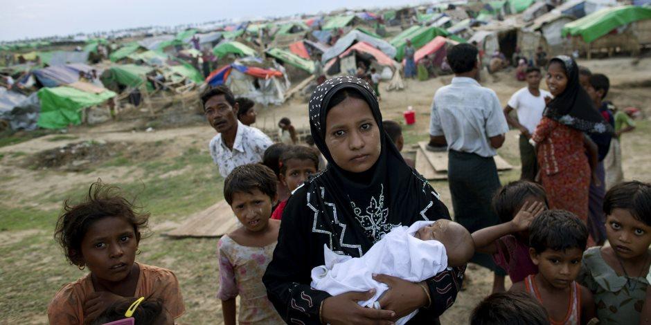 هل تحل المساعدات الإنسانية أزمة لاجئي الروهينجا؟.. الصليب الأحمر يجيب