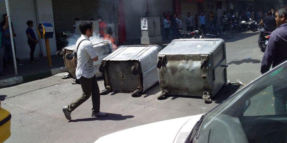 هكذا يتعامل نظام الملالي مع احتجاجات البازار.. 3 أمور تزيد الأمر تعقيدا في وجه طهران؟