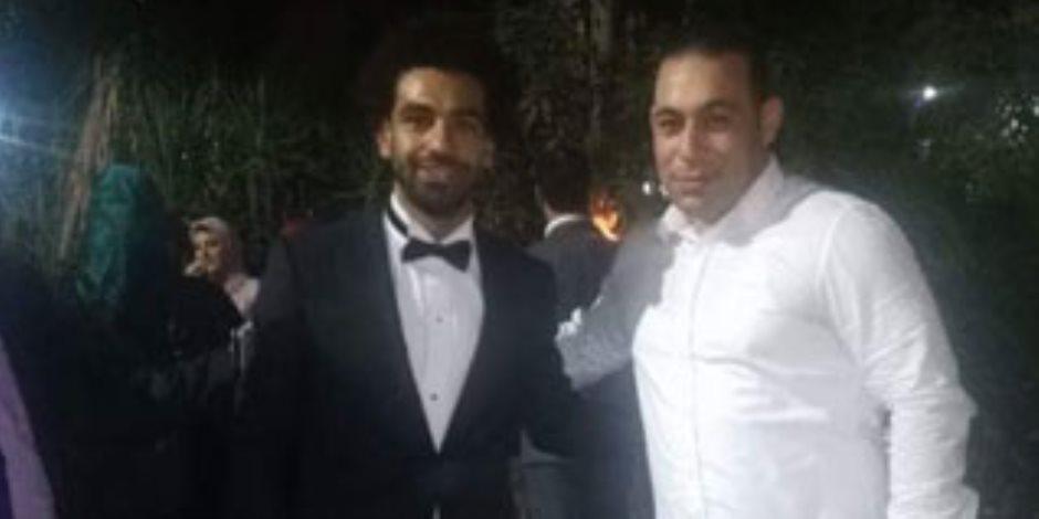 الصور الأولى لمحمد صلاح في حفل خطبة شقيقه الأصغر