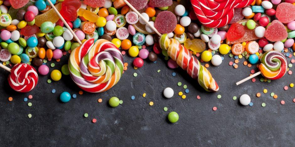 الحلو مش كله حلو.. 10 أضرار بالغة الخطورة ستدفعك لتجنب تناول الحلويات (فيديو)