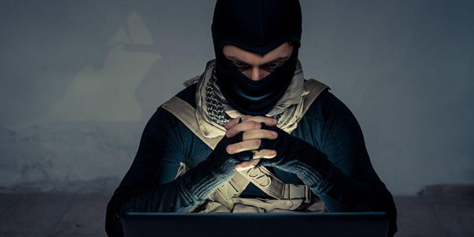 احترس من الشير.. كيف تجعلك الشائعات شريكا للإرهابين من حيث لا تعلم؟