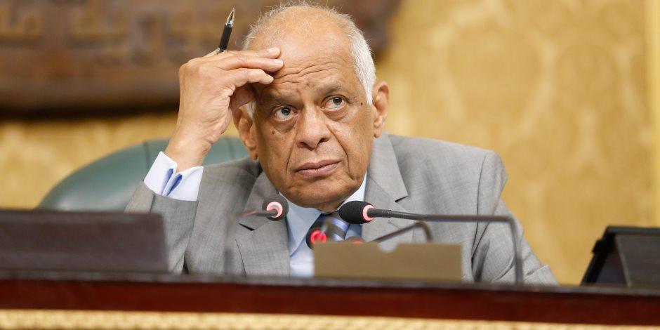 ماذا يفعل النواب في البهو الفرعوني؟.. هكذا يبحث رئيس البرلمان عن الأعضاء