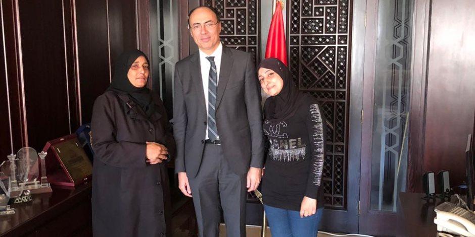 سفارة القاهرة بسوريا تخرج عائلتين مصريتين من الغوطة الشرقية