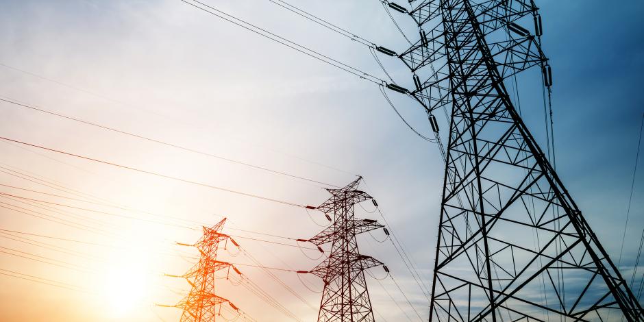 مصر تنتج الكهرباء.. فائض 10 آلاف ميجاوات ومشروعات الربط بوابة التصدير