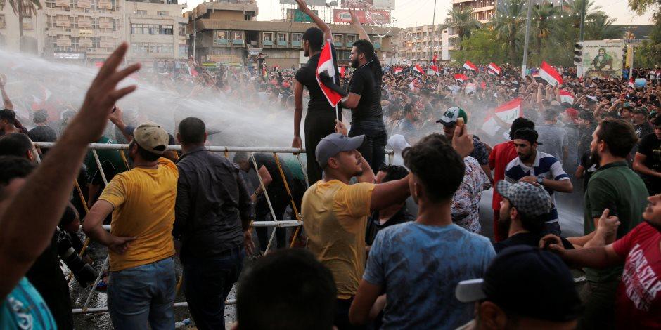 """اتساع التظاهرات العراقية بعد سقوط ضحايا بالبصرة.. كيف يواجه """"العبادي"""" تزايد الاحتجاجات؟"""
