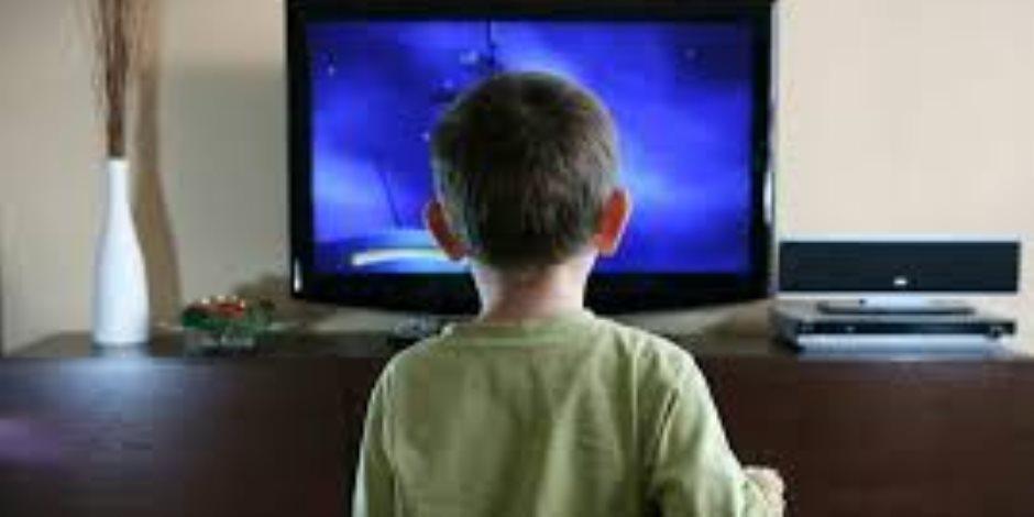 نصائح هامة لوضع حد لتعامل طفلك مع الشاشات الإلكترونية