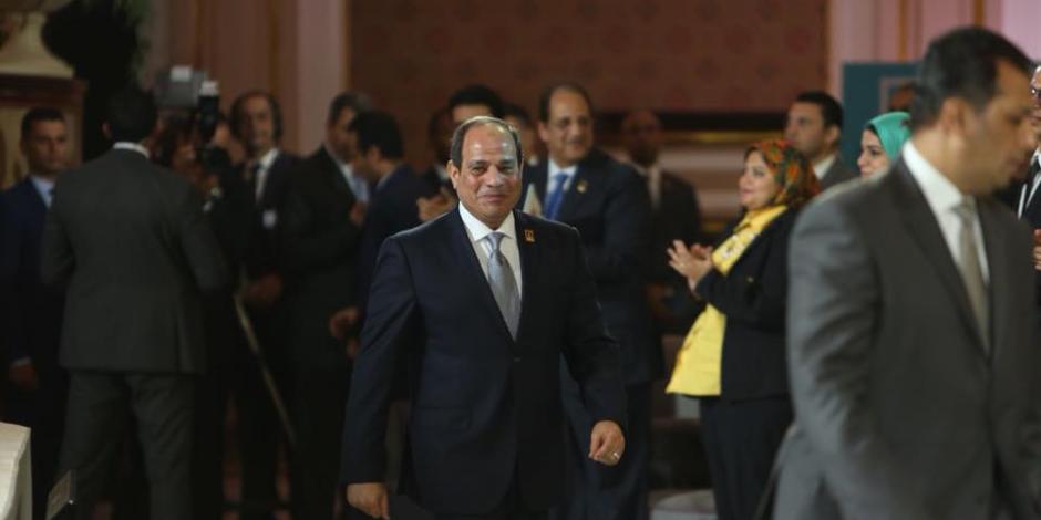 الرئيس السيسي من جامعة القاهرة: «لو رفضتم الإصلاح الاقتصادي.. هاتخرب»