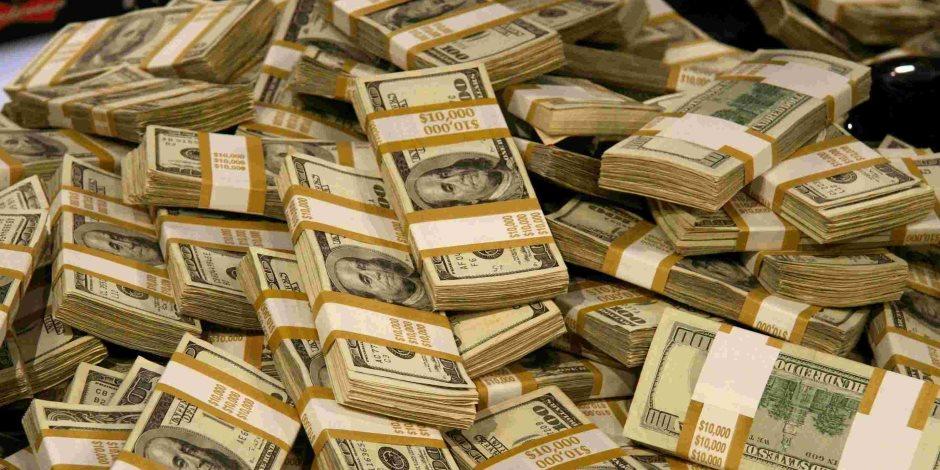 قناة السويس والتحويلات يحافظان على مكاسب ميزان المدفوعات بفائض 200 مليون دولار