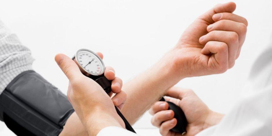 احمي قلبك بمعلقة ملح.. 4 نصائح غذائية بالغة الأهمية لمرضى ضغط الدم المرتفع