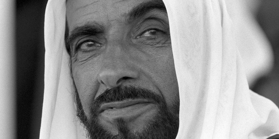 في «عام زايد».. ننشر 15 صورة نادرة لمؤسس دولة الإمارات (صور)
