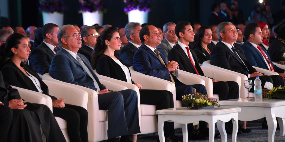 الرئيس والشباب يعيدون صياغة وجه مصر.. حصاد ومكاسب 6 مؤتمرات في 20 شهرا