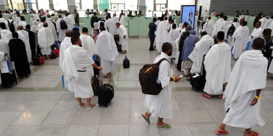 مصر للطيران تضع اللمسات الأخيرة لبدء عودة الحجاج.. ومدبولي يطمئن على الأوضاع