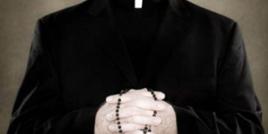 300 راهب في أمريكا وغيرهم في إسبانيا وفرنسا.. التحرش والجنس يهددان الكنائس