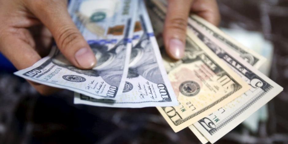 تحويلات المصريين ترتفع.. البنك المركزي يواصل حصد مكاسب تحرير سعر الصرف