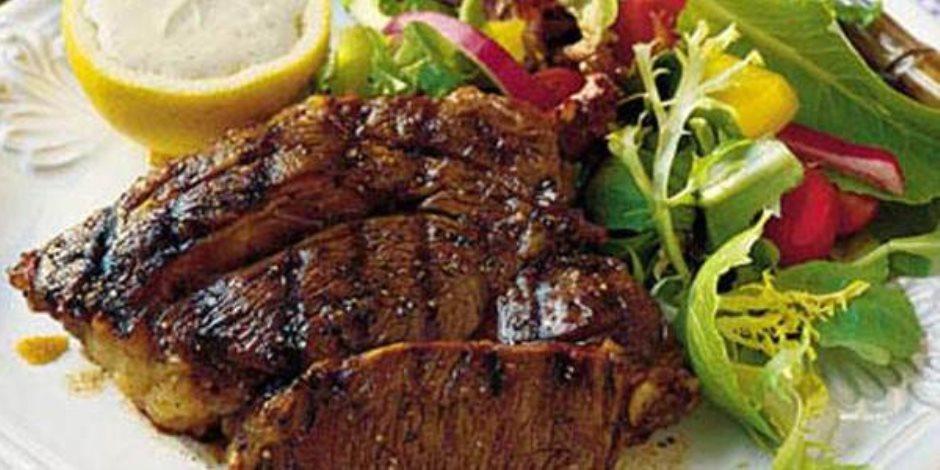 «قبل ما اللحمة العيد تقضي عليك».. 4 إضافات للأطعمة للقضاء على مشاكل المعدة
