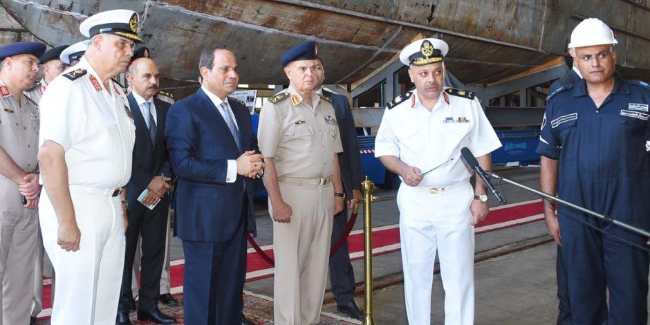الرئيس السيسى يتفقد مشروع إنشاء الميناء الغربى الجديد برأس التين