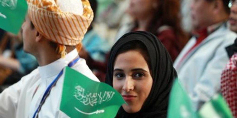 من قيادة الطائرة إلى إدارة مراكز الرعاية الصحية.. تمكين المرأة في السعودية عرض مستمر