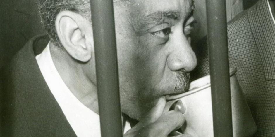 أسرار وخفايا في ذكرى إعدامه.. لماذا حارب سيد قطب مراجعات الخمسينات؟