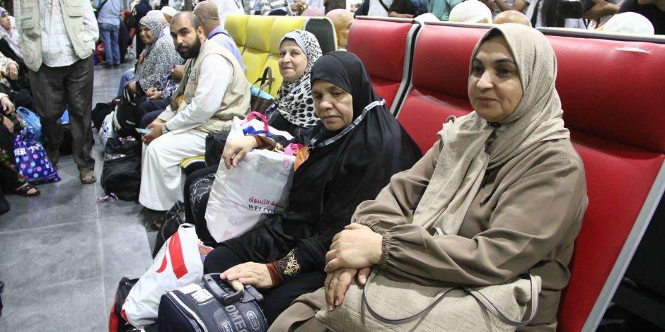 مرحبا بضيوف الرحمن.. مطار القاهرة يحتفي بعودة الحجاج الفلسطينين