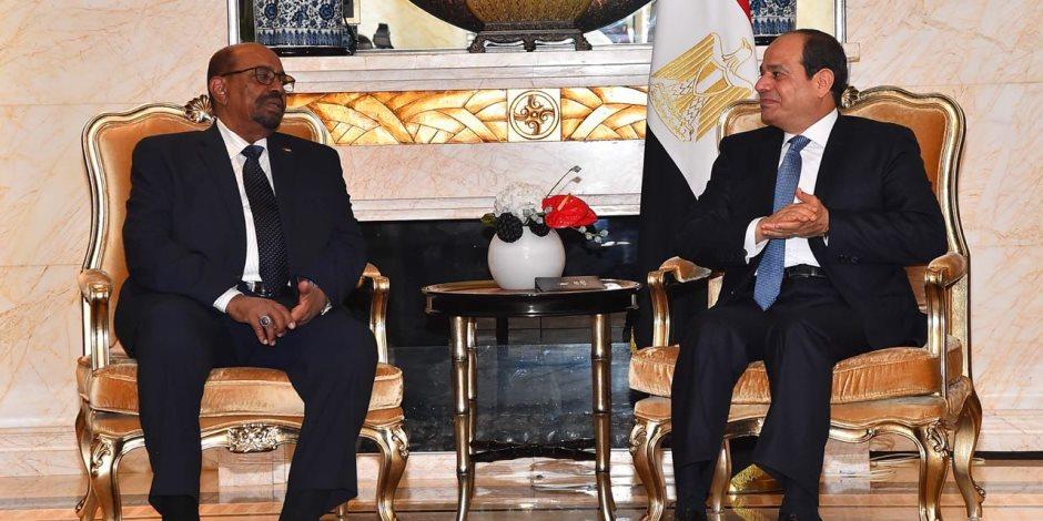الرئيس السيسي يلتقي نظيريه الصومالي والسوداني ويشيد بتطور العلاقات الإيجابية بين الدول الثلاث