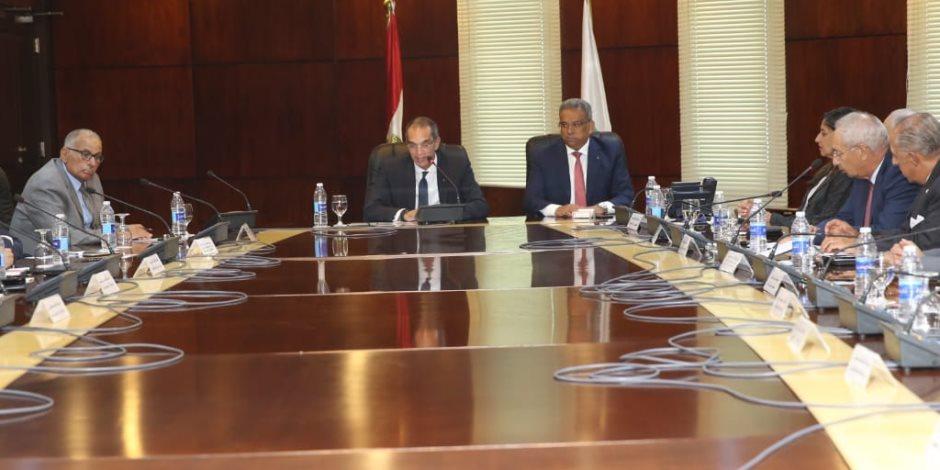 تفاصيل ترأس وزير الاتصالات الاجتماع الأول لمجلس إدارة البريد بتشكيله الجديد
