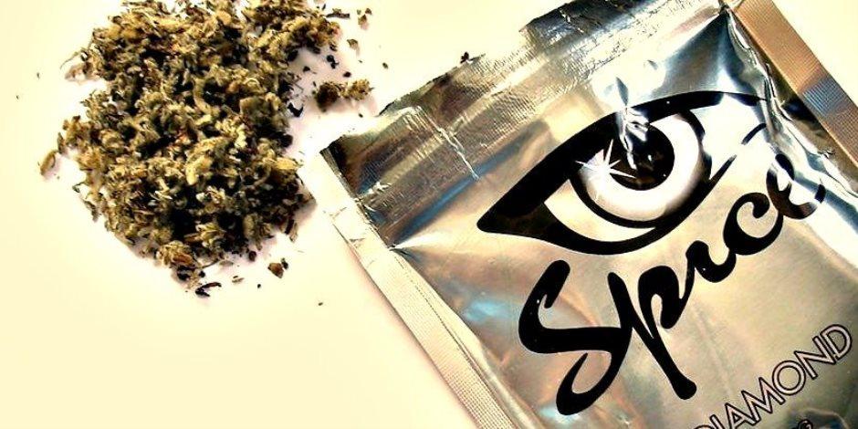 «عامل دماغ فئران».. الماريجوانا الاصطناعية فيها سم قاتل فاحذروها