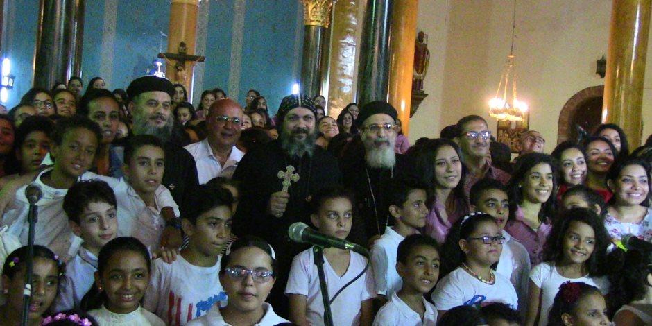 احتفال كنيسة العذراء بمسرة بعيد النيروز بحضرو الأنبا مكاري (فيديو)