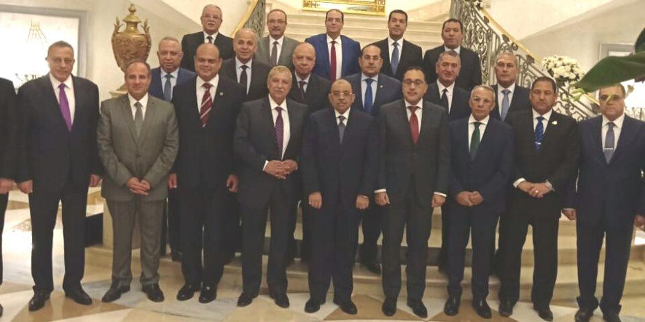 شكر وتقدير رئاسى ودرع تكريم من الحكومة للوزراء السابقين