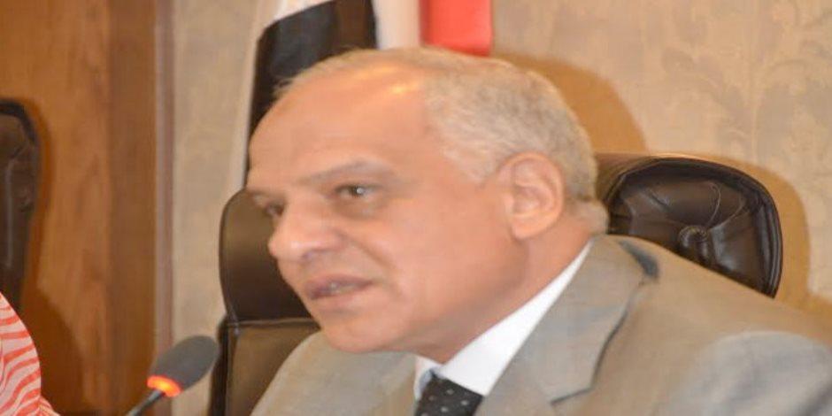 «الصرف الصحي» وسرقة أملاك الدولة.. أسباب وضعت محافظ الجيزة في مواجهة البرلمان