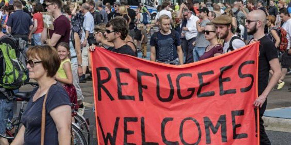 أكاذيب اللاجئين بأوروبا.. دراسة استقصائية: أغلب المواطنين يرحبون بهم ويرفضون طردهم