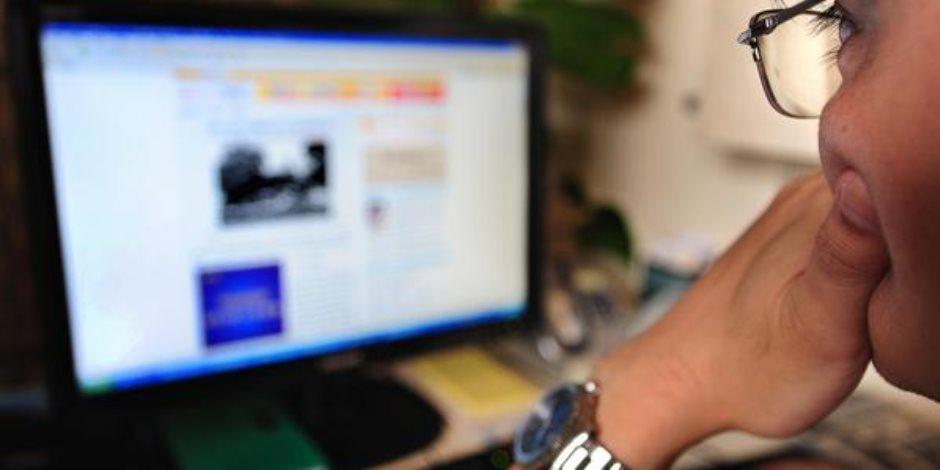 تطبيقات الـ«لايف» على الإنترنت.. سلاح مخابراتي في الحرب الناعمة