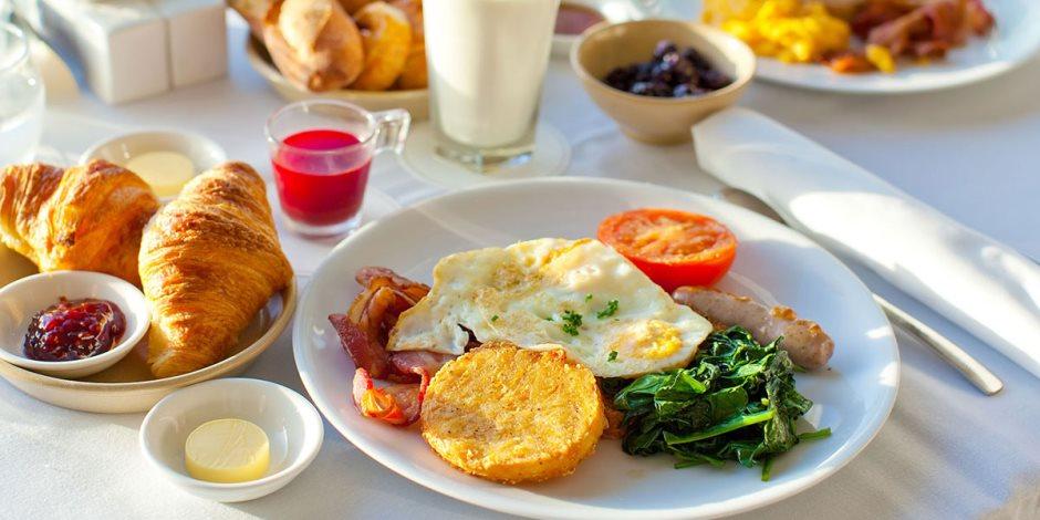 """""""قلبك في خطر"""".. مخاطر تجاهل وجبة الإفطار أكبر مما تعتقد"""