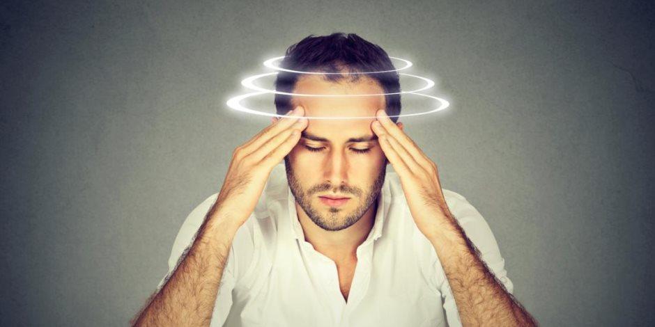 الشعور بـ «الدوخة» يقلق.. تعرف على الأسباب وطرق العلاج