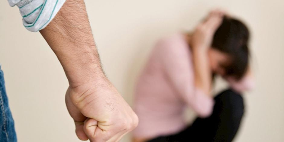 دماء على ثوب الأسرة المصرية.. لماذا تزايدت جرائم العنف الأسري؟