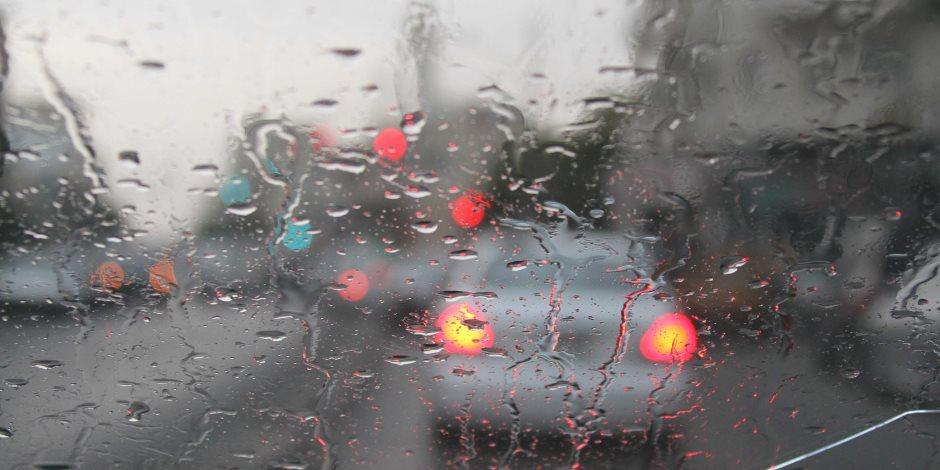 في عز المطر.. 5 أغاني لعشاق الأجواء الشتوية