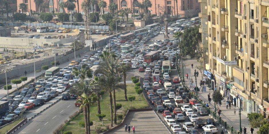 النشرة المرورية.. كثافات متحركة بمحاور وشوارع وميادين القاهرة والجيزة