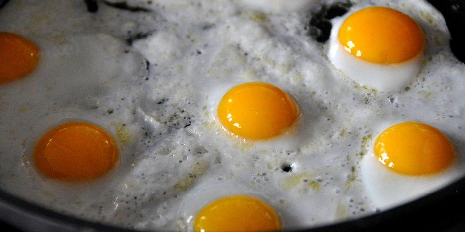 واحدة تكفي.. لماذا يحذر الأطباء من تناول أكثر من بيضة يوميا؟