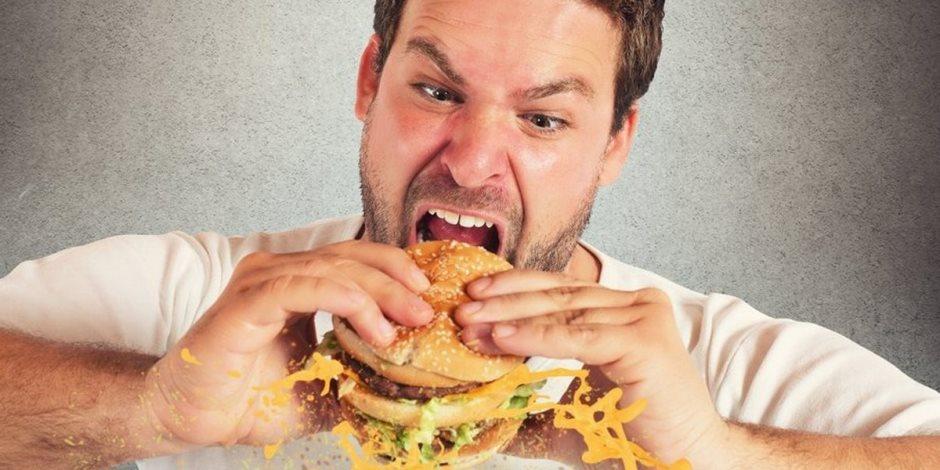 امتى الجسم يستنجد بصاجبه.. أعراض تؤكد خطورة نظامك الغذائي