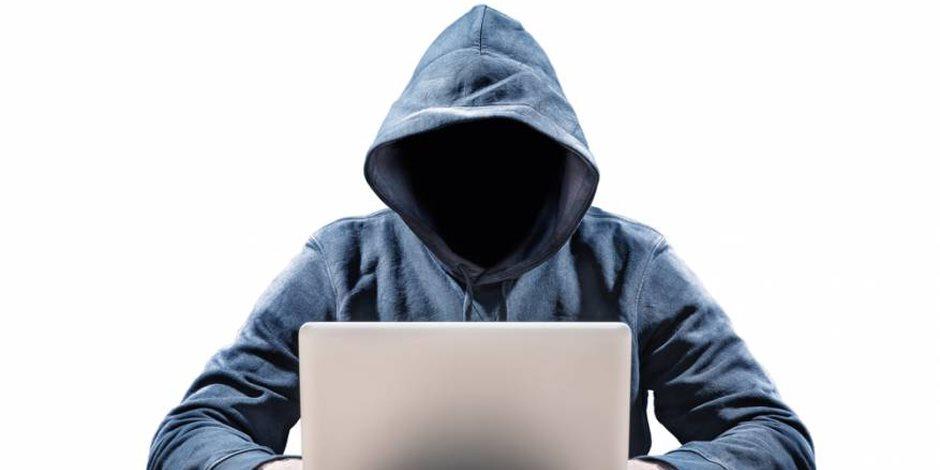 ابتزاز الرجال.. جرائم جديدة فى عالم الرذيلة الخفي على الإنترنت