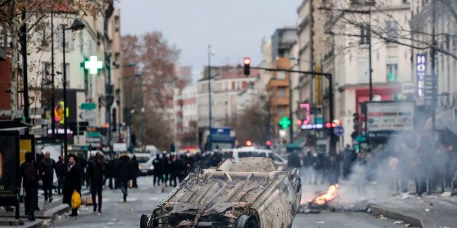 بعدما أجبرت «السترات الصفراء» ماكرون على التراجع.. هل ينهار الاقتصاد الفرنسي؟