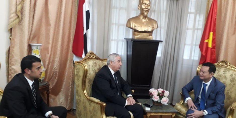 كلنا ضد الإرهاب.. البرلمان يقدم التعازي لسفير فيتنام في ضحايا حادث الهرم (صور)