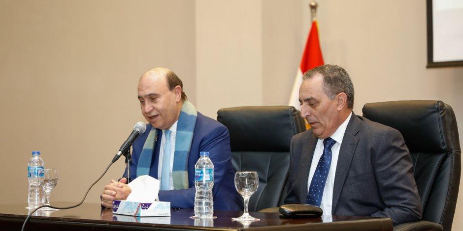نائب مميش يتسلم مهام عمله.. رئيس الهيئة: كل الدعم من القيادة السياسية لمزيد من الإنجاز