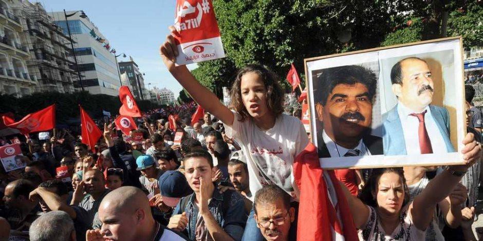 إخوان تونس تحت المقصلة.. هل تصيب نيران الاحتجاجات حكومة الشاهد؟
