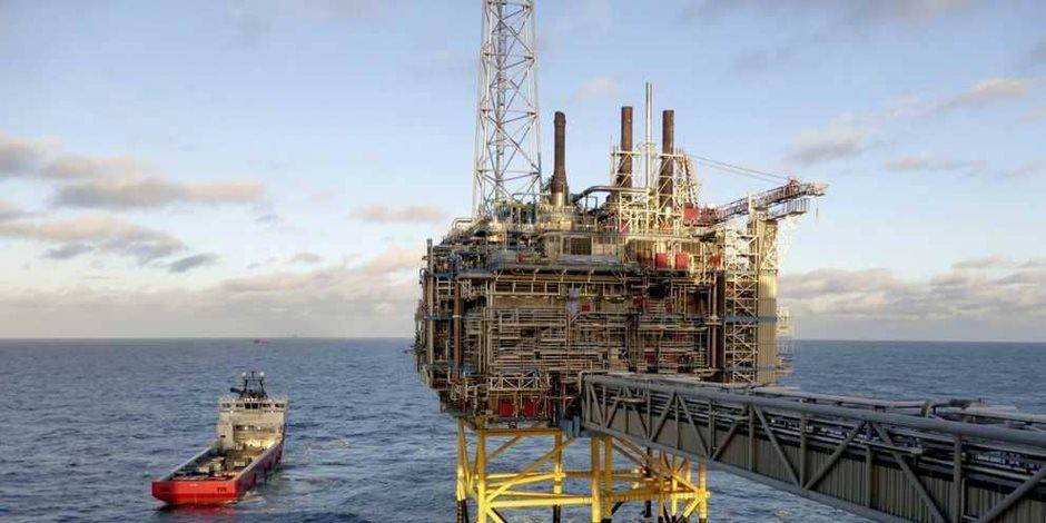 مصائب هبوط المخزون الأمريكي فوائد على أسعار النفط