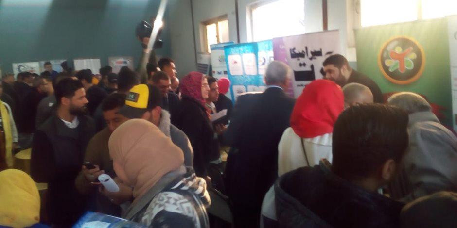 حلم الشباب يتحقق.. «وطن ومواطن» توفر 2000 فرصة عمل للشباب (صور)