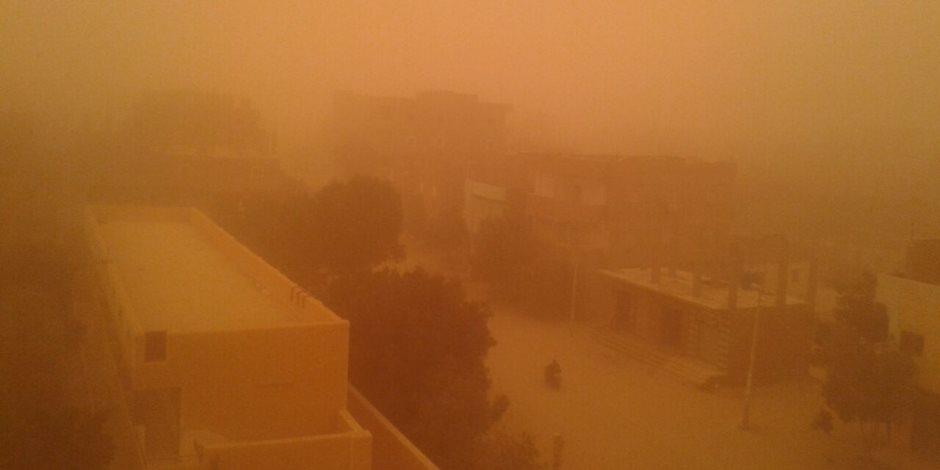طقس سيئ يضرب البلاد.. الزعابيب والرمال تغطي القاهرة (فيديو)