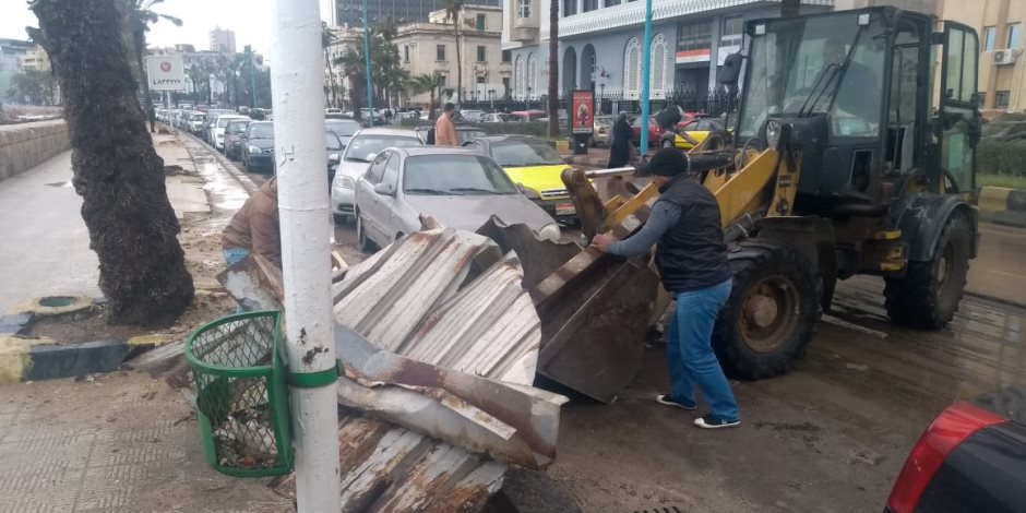 حصاد الطقس السيء في الإسكندرية: انهيار عقارات وإغلاق موانئ (صور)