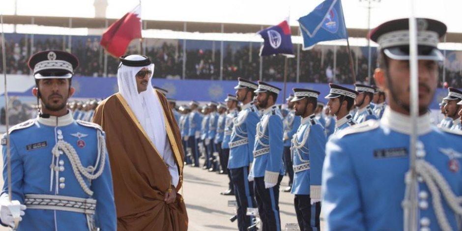 حفل تخريج «الشرطة القطرية» يفضح حقيقة الدوحة: حمد نهبها.. وتميم باعها (فيديو)
