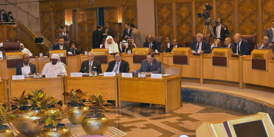 رئيس البرلمان العربي: حان الوقت لرفع اسم السودان من القائمة الأمريكية للإرهاب